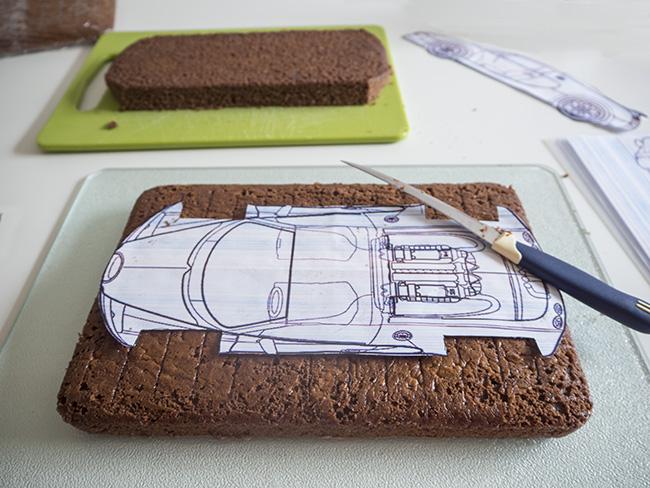 Car cake tiny little bee car cake malvernweather Gallery